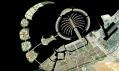 Satelitní pohled i na uměle vytvořené poloostrovy v okolí