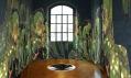 Děsivé umělecké kreace v malých místnostech s industriálními okny