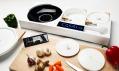 Vše potřebné je uvnitř vařiče, od prkénka až po kuchyňské náčiní