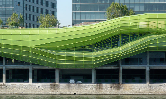 Pařížské centrum designu amódy před dokončením
