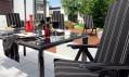 Černá křesla a stůl z řady Black & White firmy Kettler