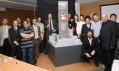 Model mrakodrapu a architektonický team, Jean Nouvel druhý zprava