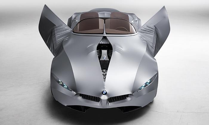 Oslava proměnlivých tvarů vautomobilu BMW Gina