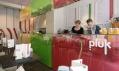 Salátový bar Pluk za provozu se zákazníky i personálem