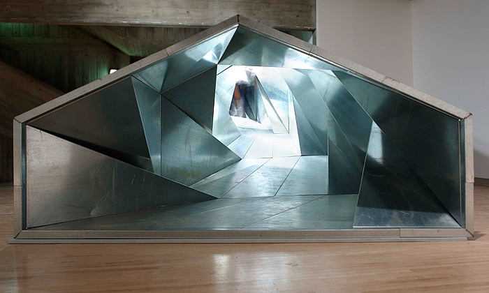 Fascinující londýnská výstava Psycho Buildings