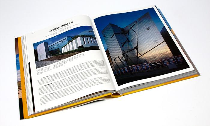 Pohled do druhho svazku knihy 100 Contemporary Architects .