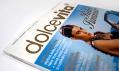 Grafická úprava loga časopisu Dolce Vita vychází z časopisu Wallpaper