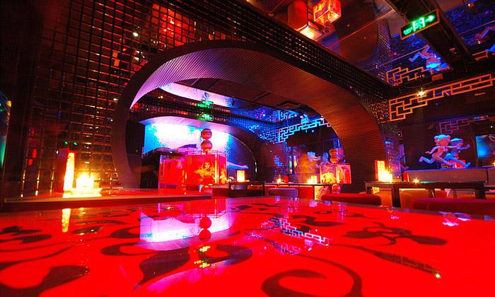 Peking otevřel nový třípatrový noční klub China Doll