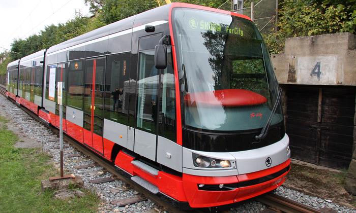 Vyjel první prototyp tramvaje Škoda ForCity