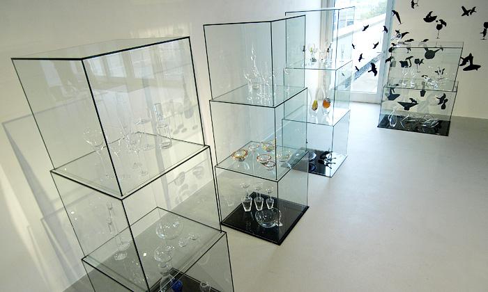 Patrik Illo vystavuje lidské sklo Glass ForM