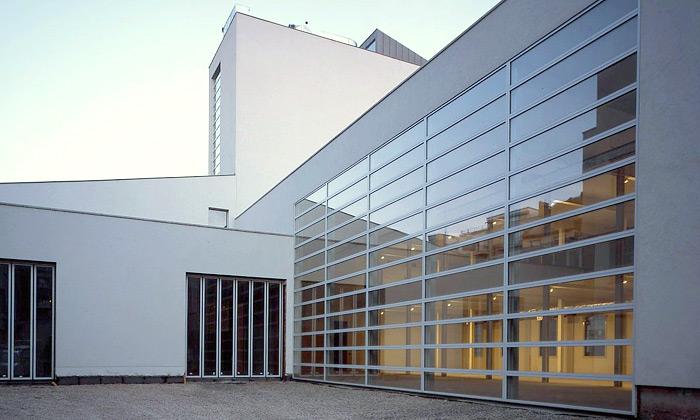 Otevřeno centrum DOX sosmi výstavními prostory