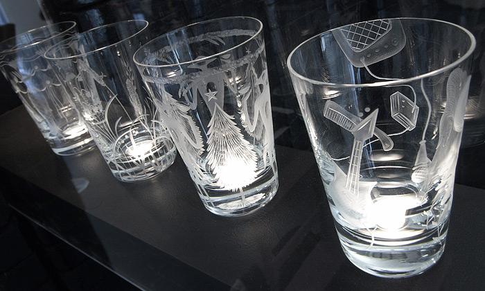 Artěl povýšil obyčejnou sklenici naumělecké dílo