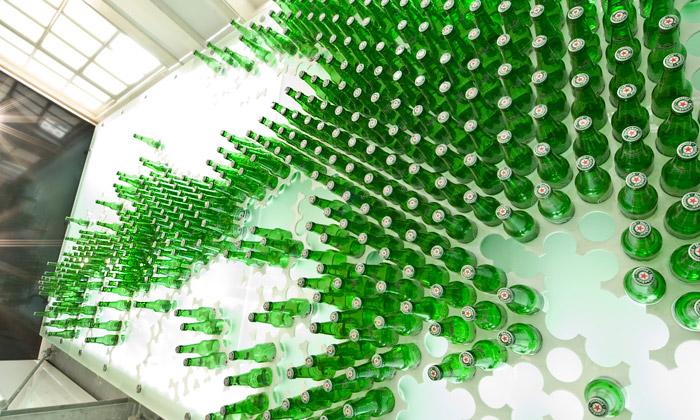Prodejny Heineken přikryla zelená opona odTjep