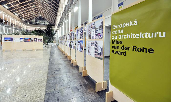 Evropská architektura seobrací kcivilním stavbám