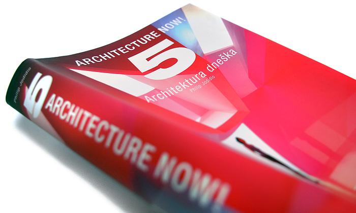 Pátá kniha zedice Architecture Now! poprvé česky