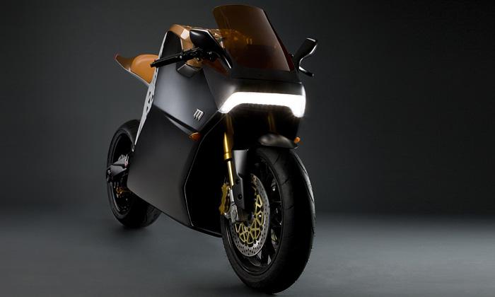Elektrická motorka Mission One jede 240 kilometrů