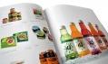 Pohled do česky přeložené knihy 1000 Obalový design