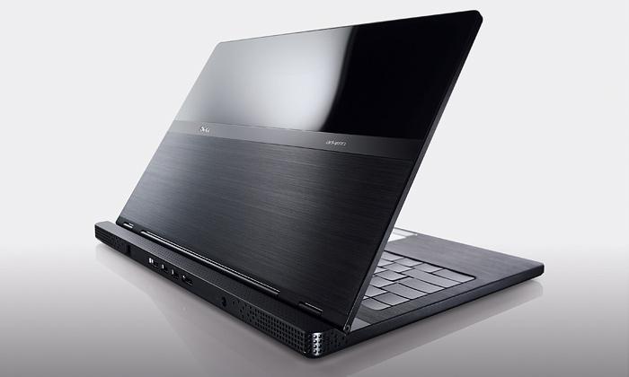 Luxusní Dell Adamo jenejtenčí notebook nasvětě