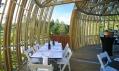 Interiér restaurantu Yellow Treehouse