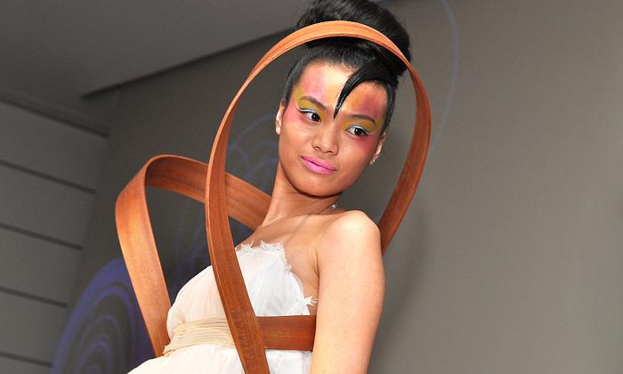 E:be uvedla geometrickou módní kolekci Suspyré