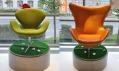 Arne Jacobsen - Křeslo Swan (Labuť) a křeslo Egg (Vajíčko)