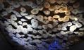 Lasvit - světelná plastika na stánku na Euroluce