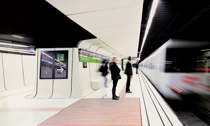 Barcelonská stanice metra Drassanes jekosmická