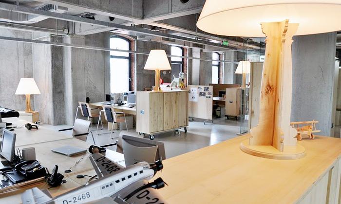 Cristian Corvin zařídil kanceláře pro Headvertising