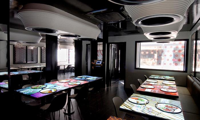 Futuristická restaurace Inamo objednává dotykem
