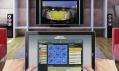 Ukázka používání dotykového tabletu společnosti Time Inc.