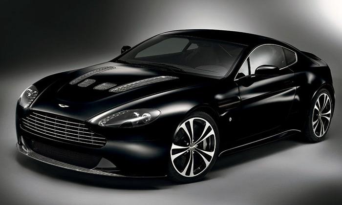 Aston Martin má exkluzivní edici vozů Carbon Black