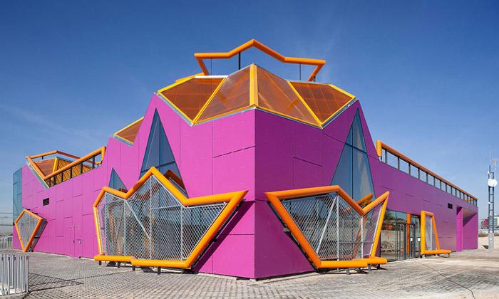 U Madridu postavili divoké centrum mladým odMi5