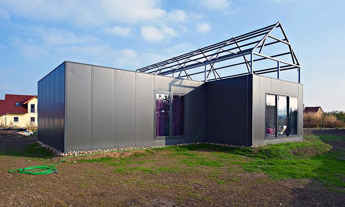 Domy Jinak mají první realizovaný dům Černý Vůl