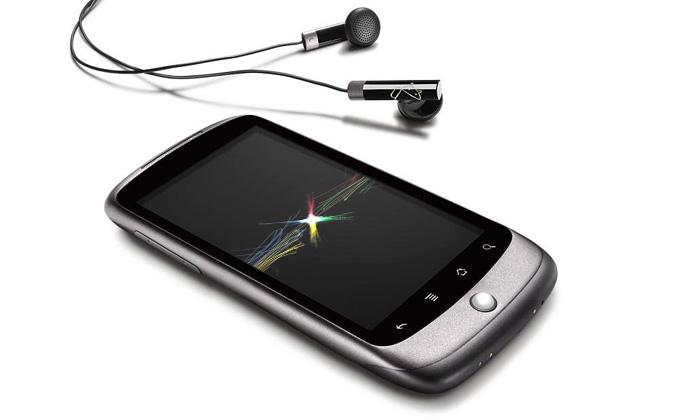 Google představil svůj první mobil Nexus One