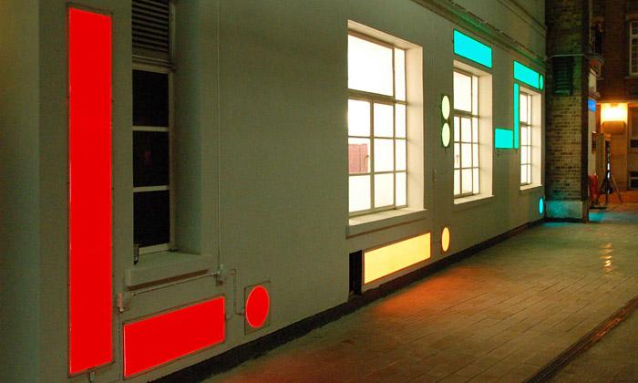 Darwin byl poctěn světelnou instalací zLight Tape
