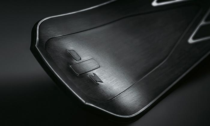 Zai vytvořili pro Bentley luxusní lyže Zai Supersport