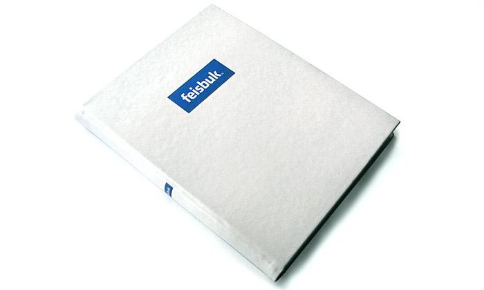 Facebook má itištěnou podobu jménem Feisbuk