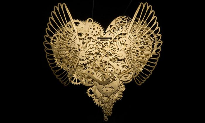 Tjep složili šperk Mechanická láska zozubených kol