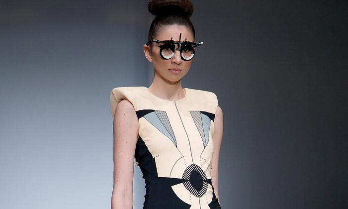 První kolekce Clare Lopeman tvoří vzorované šaty