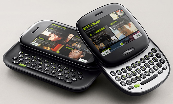 Microsoft představil dvojici mobilních telefonů Kin