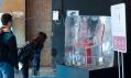 Plastová židle 111 Navy Chair od Emeco z láhví Coca-Cola