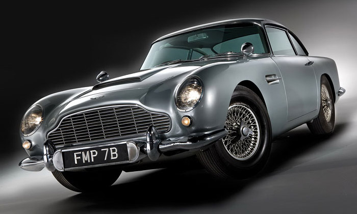 Aston Martin DB5 agenta Jamese Bonda jevaukci