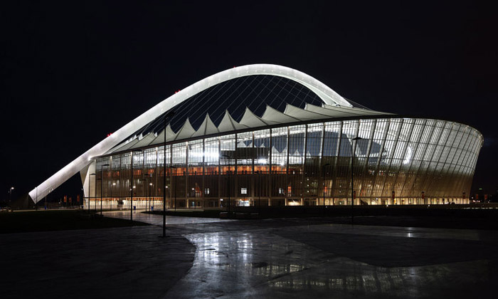 Stadion Moses Mabhida protíná oblouk srozhlednou