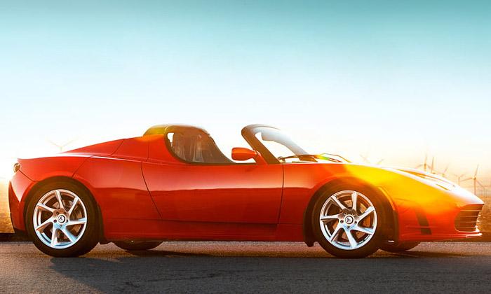 Tesla Roadster jde natrh selektrickým pohonem