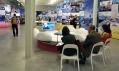 Jan Kaplický a jeho Future Systems Sofa na výstavě v DOXu