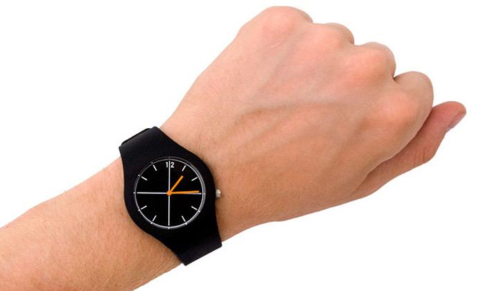 Eric Janssen navrhl pootočené hodinky Off-Axis