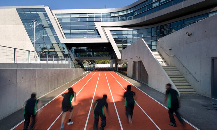 Zaha Hadid otevřela britskou akademii Evelyn Grace