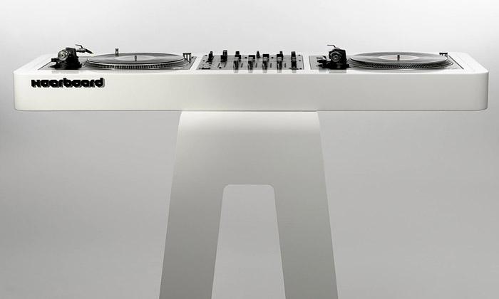 Hoerboard uvádí luxusní DJský stůl Scomber Mix