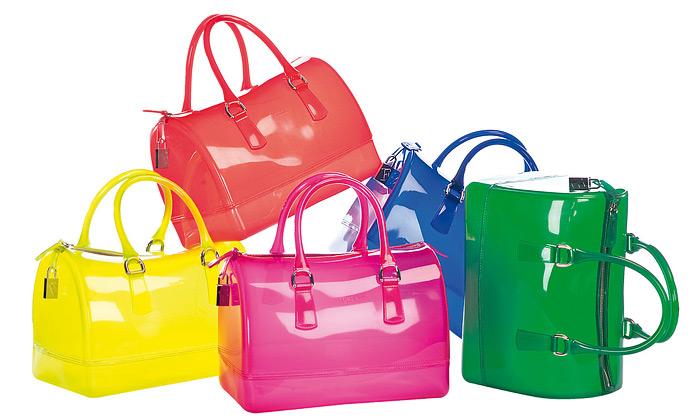 Průhledné kabelky Furla módním hitem léta 2011