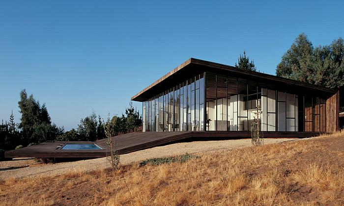 Assadi & Pulido navrhují impozantní domy pro Chile